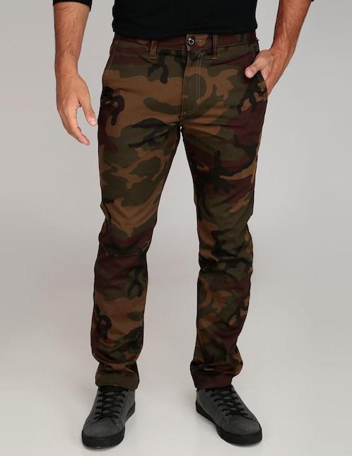 Pantalón casual Vans corte regular verde militar con diseño camuflaje 31c0816a456